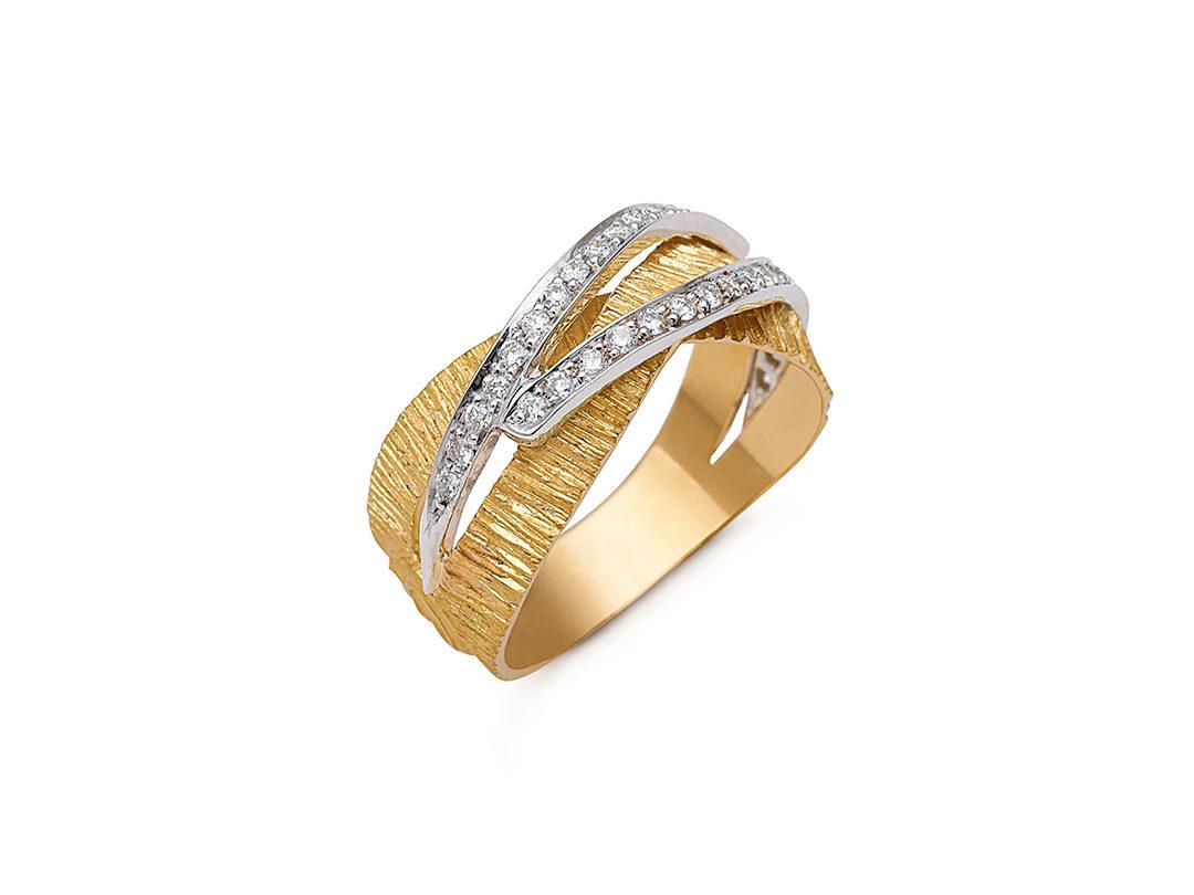 19.25Kt Gold Diamond Ring