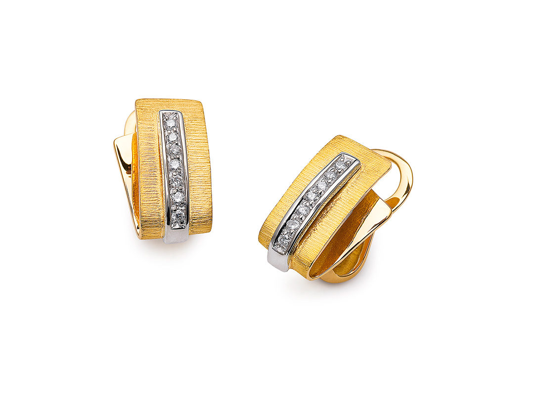 19.25Kt Bicolor Diamond Earrings
